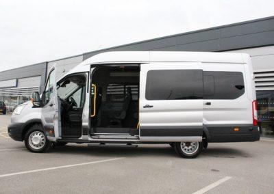 17 Seat Minibus for hire 1